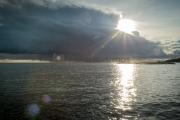 <h5>Auringon kajo</h5><p>Auringon viimeiset pilkahdukset ennen kuin tumma sadepilvi peittää taivaan. Tunnus: img_7055</p>