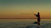 <h5>Kalastusta auringonlaskun aikaan</h5><p>Kalamiehen kultainen hetki on juuri silloin, kun aurinko on laskenut horisontin taakse. Tunnus: img_8297</p>
