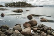 <h5>Jäät lähtevät</h5><p>Jäät ovat juuri lähtemäisillään huhtikuisessa saaristossa. Jäälauttoja seilaa siellä täällä. Tunnus: img_1085</p>