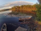 <h5>Järvimaisema</h5><p>Ilmasta otettu kuva Pohjois-Karjalasta. Ilta-aurinko alkaa hieman näkymään metsän väreissä. Tunnus: gopr2840</p>