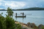 <h5>Kalastavat miehet</h5><p>Kalastusta rantakallioiden vieressä. Tavoitteena jättihauki. Tunnus: img_4536</p>