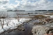 <h5>Lauttasaaren ranta</h5><p>Tältä näyttää Lauttasaari huhtikuussa. Tunnus: img_1057</p>