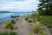 <h5>Luonnonhiekkaranta</h5><p>Hiekkaranta Porvoon saaristossa. Tunnus: img_3487</p>