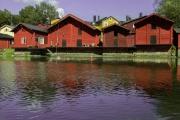 <h5>Punaiset aitat Porvoonjoen varrella</h5><p>Porvoon keskusta tunnetaan näistä punaisista aitoistaan. Tunnus: img_3100</p>