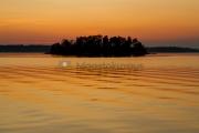 <h5>Kesäilta ja auringonlasku</h5><p>Laskevan auringon värit lämpimässä kesäillassa. Tunnus: img_3389</p>