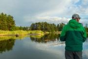 <h5>Saaristossa kalastusta</h5><p>Mies kalastaa Porvoon saaristossa. Tunnus: img_9107</p>