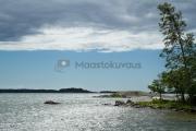 <h5>Saaristo Tammisaaressa</h5><p>Pilvet väistyvät sinisen taivaan tieltä. Kuva on Tammisaaresta. Tunnus: img_3977</p>
