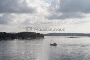 <h5>Purjevene Turunsaaristossa</h5><p>Tyyni kesäpäivä saaristossa Turussa. Tunnus: img_4115</p>