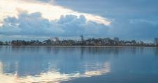 <h5>Tyven meri</h5><p>Helmikuinen meri Saksan merialueella pienen kylän edustalla. Tunnus: img_5666</p>