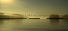 <h5>Tyynellä merellä</h5><p>Syksyinen aamu tyynellä merellä. Tunnus: img_4916</p>