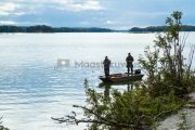<h5>Miehet kalastavat</h5><p>Venekalastusta Porvoon saaristossa. Tunnus: img_4538</p>